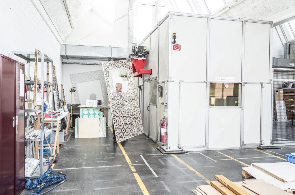 ZB-Laser AG laserschneiden und lasergravieren von Kunststoffen und nicht-metallischen Materialien