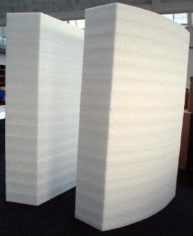 Polystyrolschaumstoff (Sagex, Styropor) laser-schneiden wir bis 80 mm Dicke. ZB-Laser AG