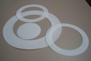 Laserschneiden von Dichtungen aus Teflon/PTFE-Folie