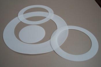 Laserschneiden von Dichtungen aus Teflon/PTFE-Folie - ZB