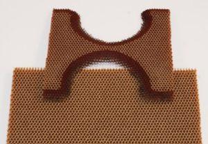 Laserschneiden von Waben-Nomex oder Honeycomb