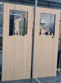 Laserchneiden von Türfüllungen aus Dreischichtfichtenholz