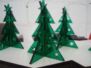 Laserschneiden von Dekorationen aus Plexiglas Acrylglas PMMA