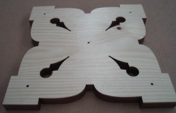 Laser schneiden von Holzverzierung für Balkongeländer - ZB-Laser AG
