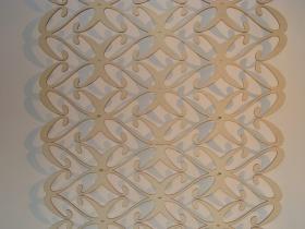 Laserschneiden von Ornament aus Pappelsperrholz