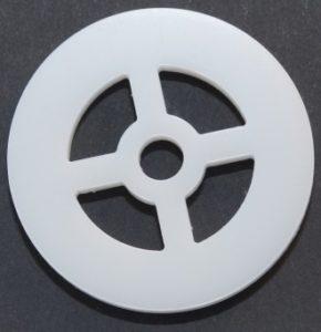 Laserschneiden von technischem Bauteil aus Teflon/PTFE