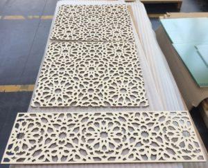 Laserschneiden von Sichtschutz aus Pappelsperrholz
