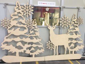 Laserschneiden von Dekorationen aus Birkensperrholz