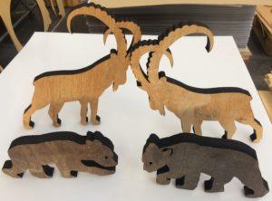 Laserschneiden von Tierformen aus Altholz