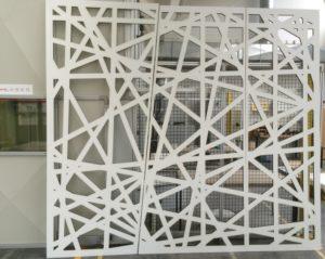 Laserschneiden von Trennwänden aus MDF