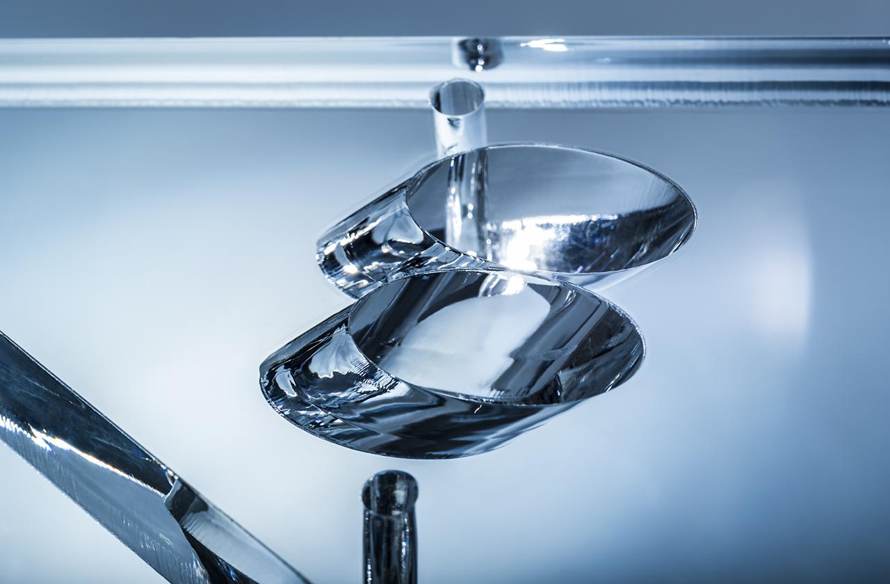 Laserschneiden und lasergravieren von Acrylglas, Plexiglas, mit Schrägen, scharfen Innenecken, bis 40 mm Dicke, ohne Nacharbeiten - ZB-Laser AG